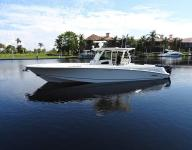 2013 370 Outrage Boston Whaler center console fishing boat