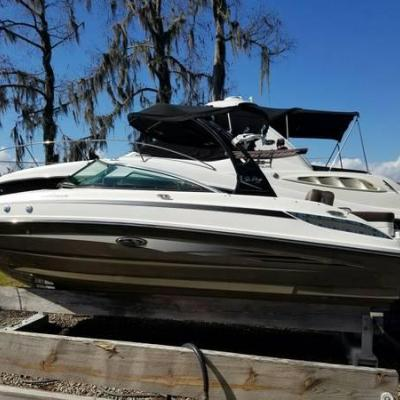 2012 Sea Ray 240 Sundeck only 30 hrs