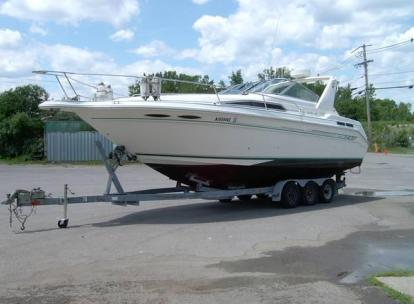 1993 SEA RAY 300 SUNDANCER WITH TRI AXLE TRAILER